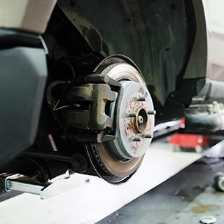 Disques de frein : quand les changer et combien ça coûte ...
