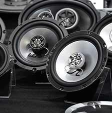 enceintes pas ch res haut parleurs voiture pas chers feu vert. Black Bedroom Furniture Sets. Home Design Ideas