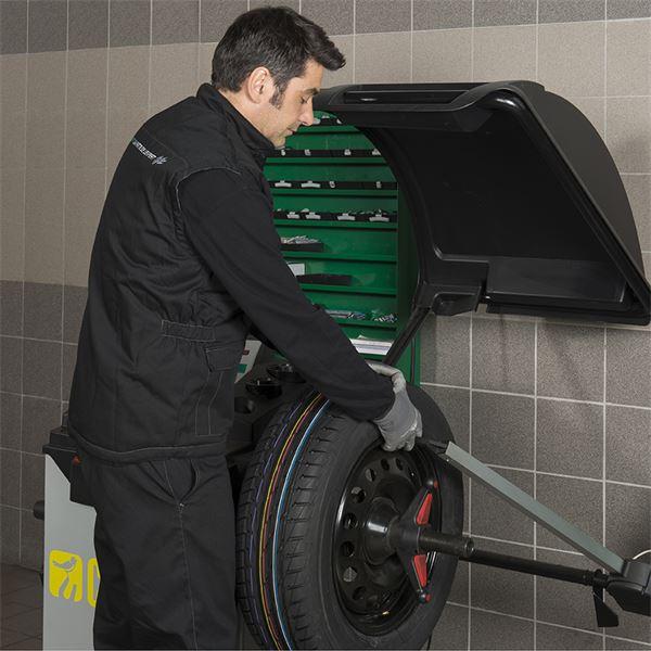 quilibrage 1 pneu de diam tre de 17 ou 18 pouces feu vert. Black Bedroom Furniture Sets. Home Design Ideas